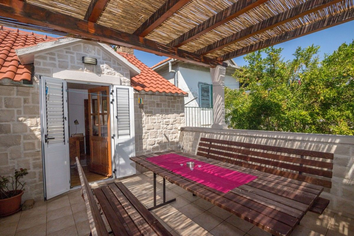 Holiday Homes Trogir and surroundings - Holiday Home ID 3103