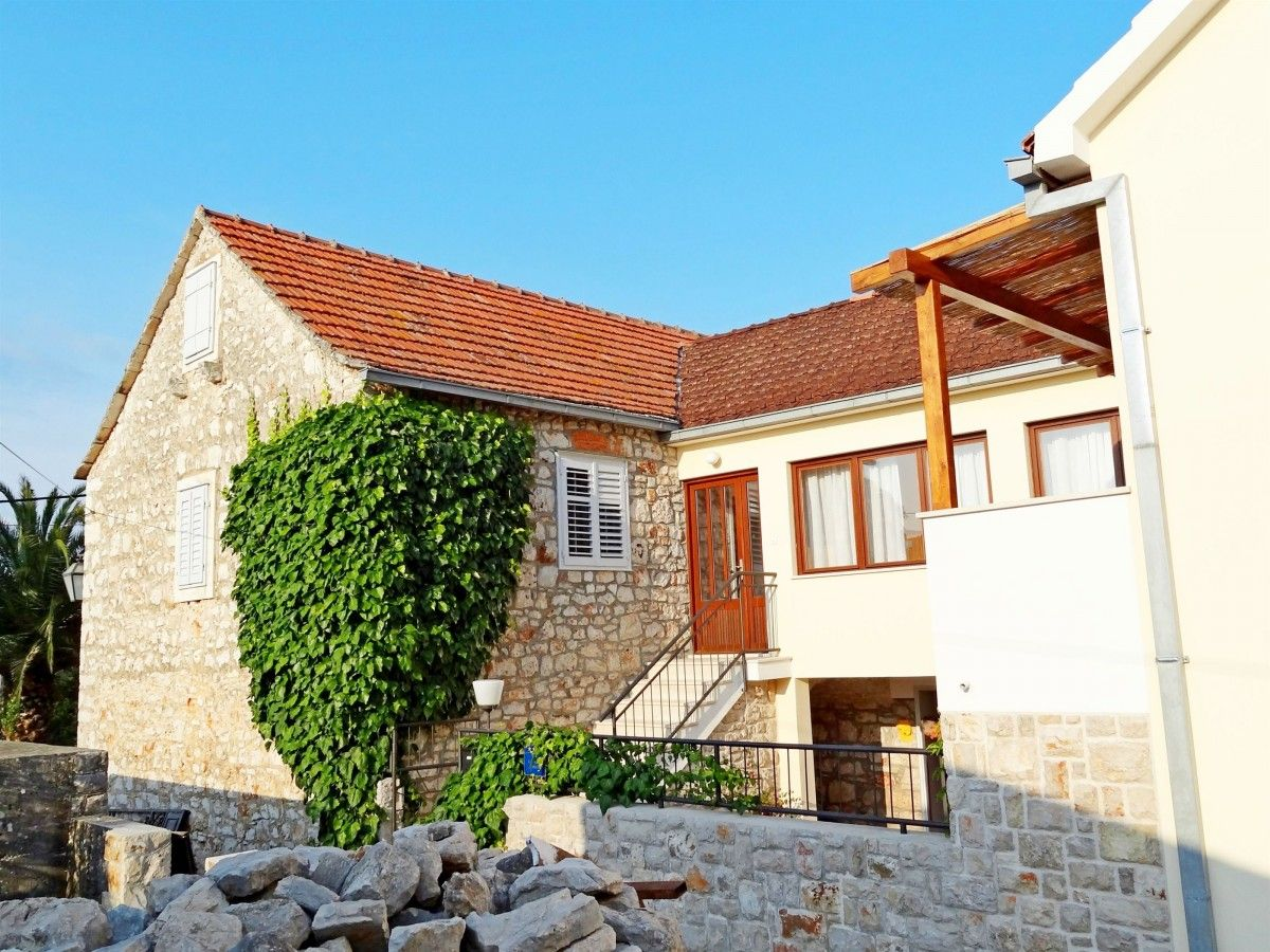 Holiday Homes Island of Hvar - Holiday Home ID 3112