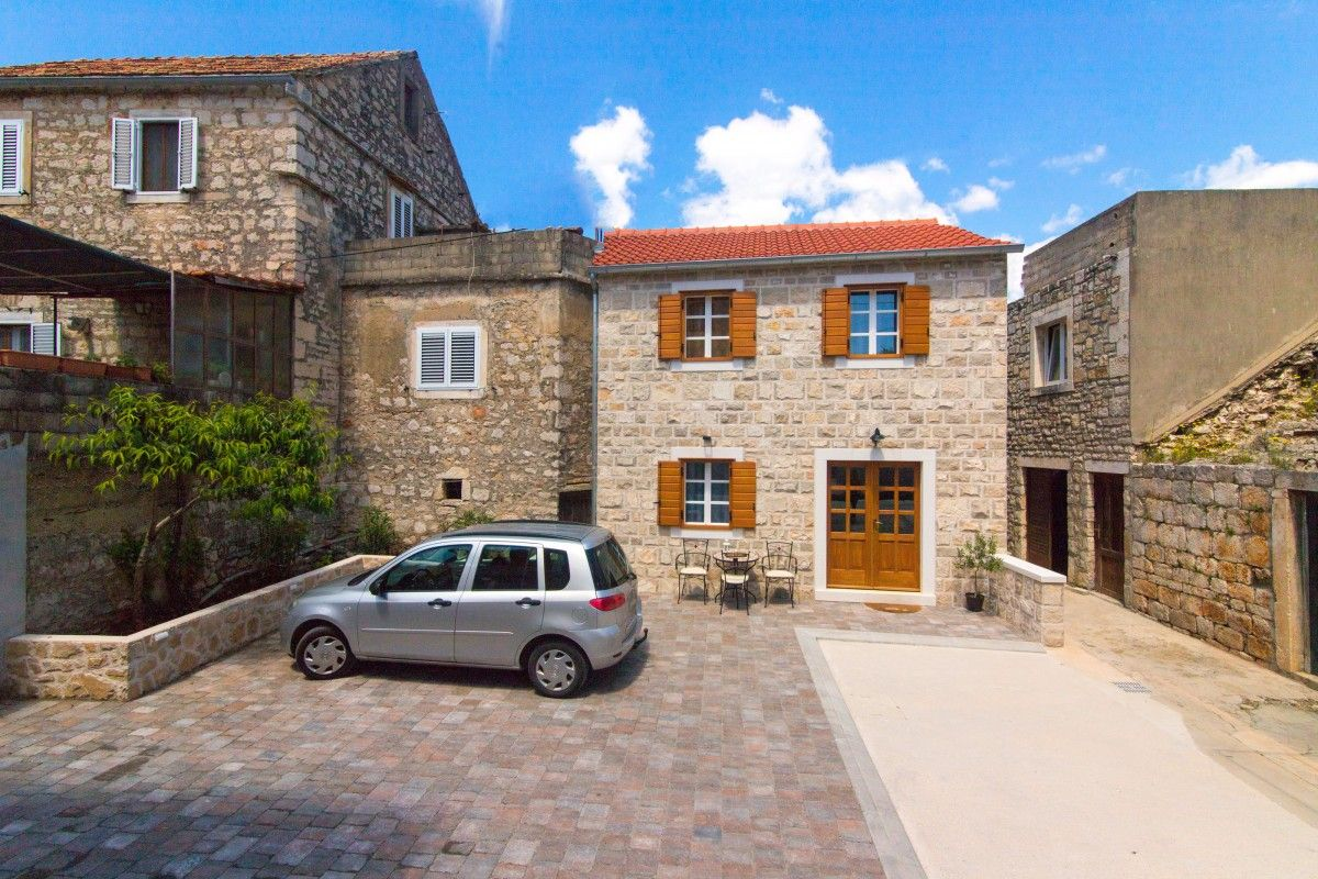 Holiday Homes Island of Hvar - Holiday Home ID 3114