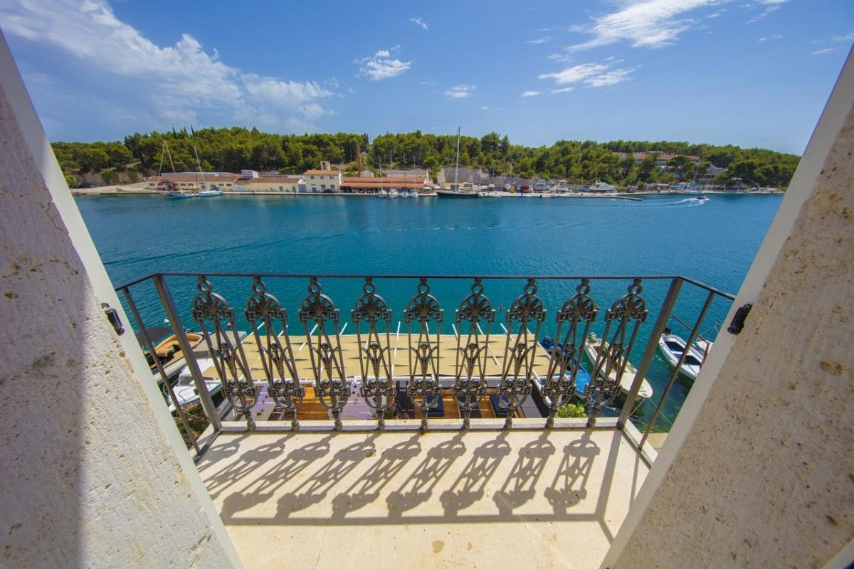 Hotels Island of Brač - HOTEL OLIFE