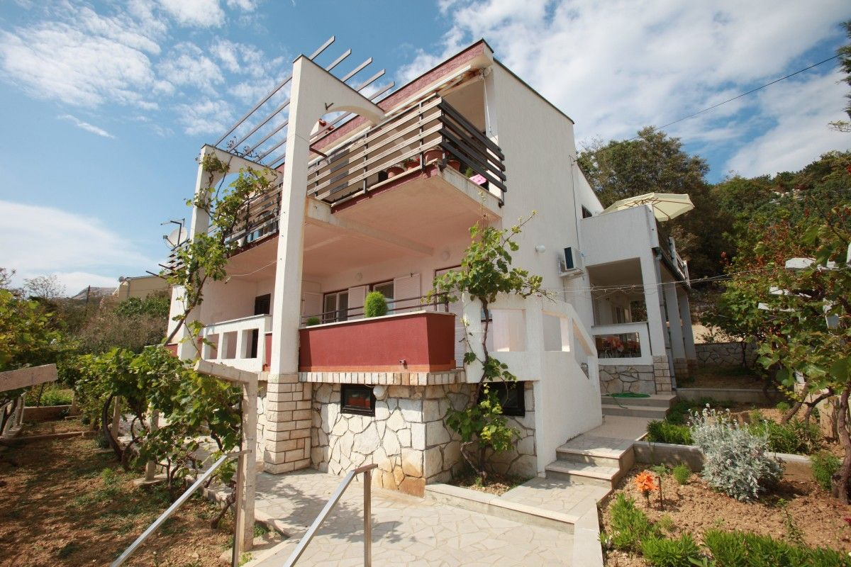 Apartments, Baška, Island of Krk - Apartment ID 3217
