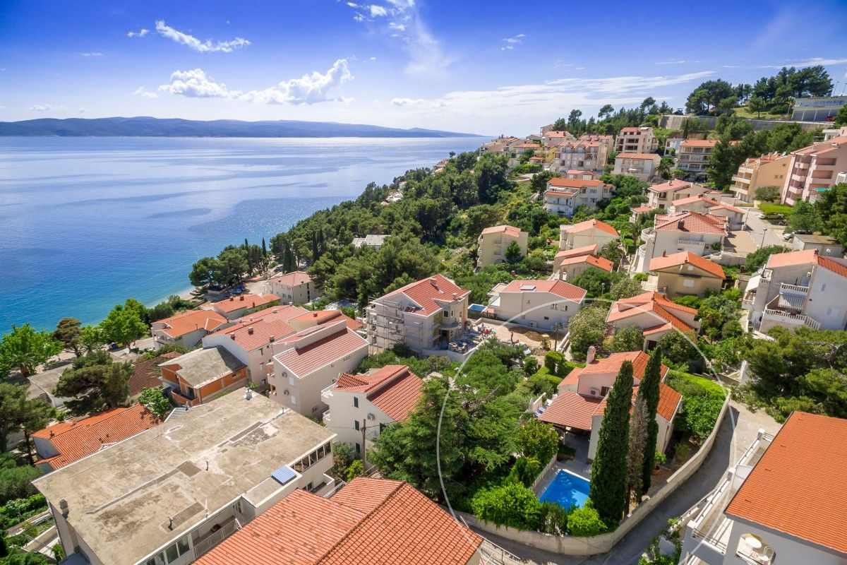 Seafront holiday home with pool in Baška Voda, Makarska