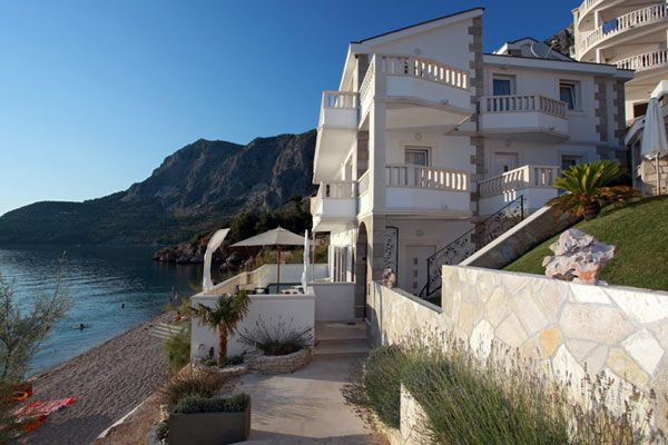 Luxury Seafront Villa near Makarska