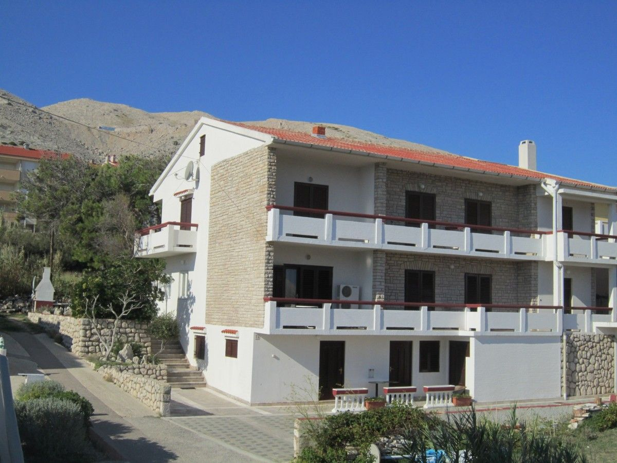 Apartments, Pag, Island of Pag - Apartment ID 0372