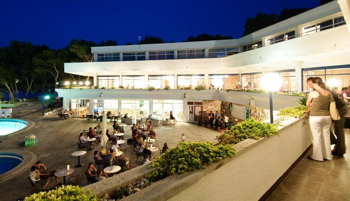 Hotely, Jelsa, Ostrov Hvar - ADRIATIQ HOTEL FONTANA