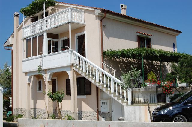 Apartments, Malinska, Island of Krk - Apartment ID 0697