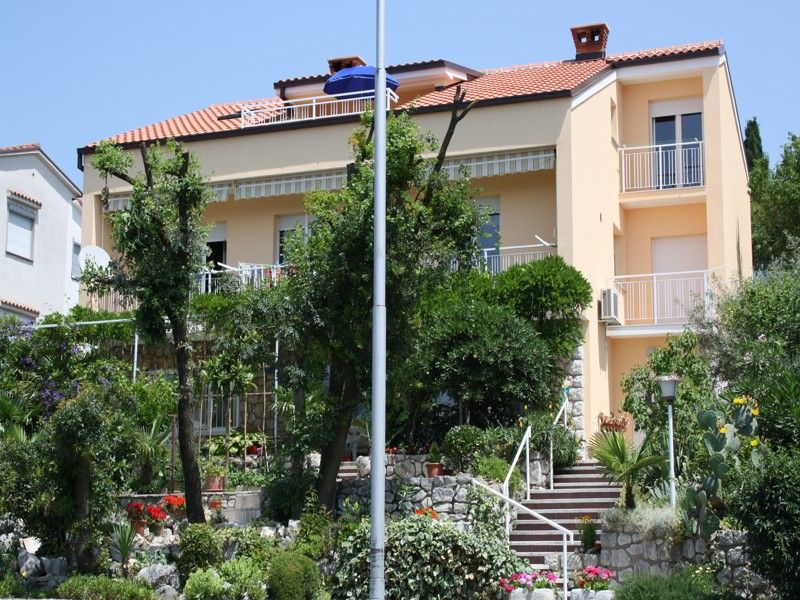 Apartments Crikvenica and surroundings - Apartment ID 0705