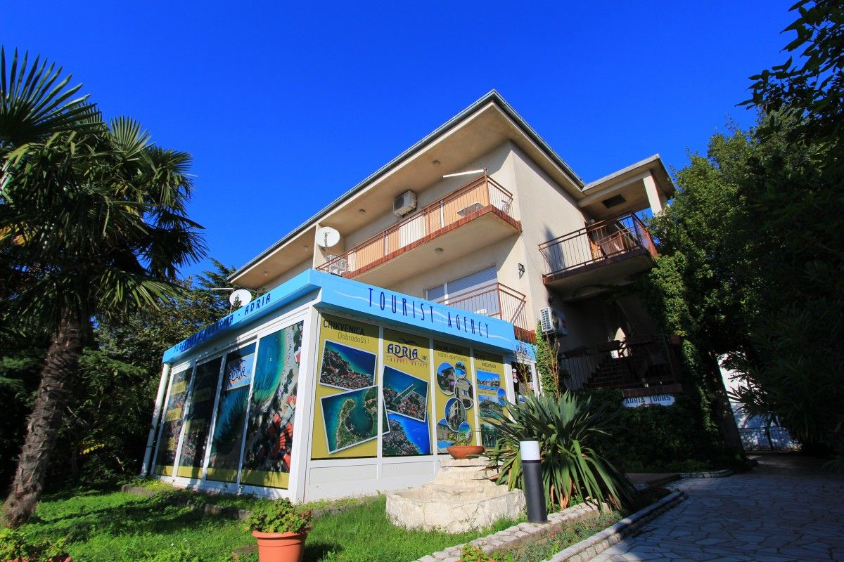 Apartments Crikvenica and surroundings - Apartment near sandy beach in Crikvenica, Kvarner