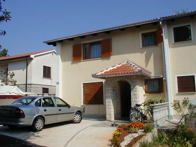 Apartments, Vantačići-Porat (Malinska), Island of Krk - Apartment ID 0082