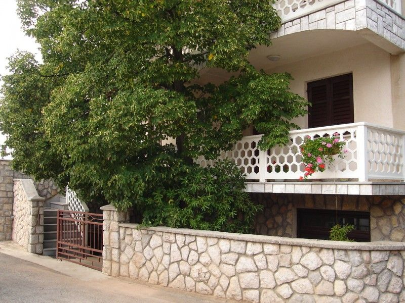 Apartments, Malinska, Island of Krk - Apartment ID 0831