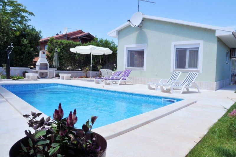 Holiday Homes Pula & south Istria - Holiday Home Banjole with swimming pool in Banjole, Istria