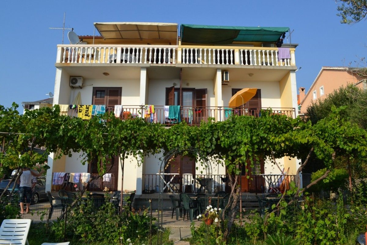 Apartments, Banjol, Island of Rab - Apartment ID 0914