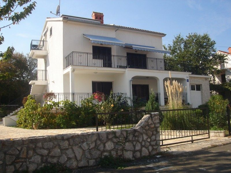 Apartments, Vantačići-Porat (Malinska), Island of Krk - Apartment ID 0931