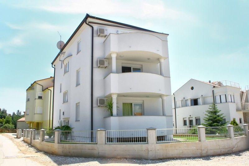 Apartments, Medulin, Pula & south Istria - Apartment ID 0963