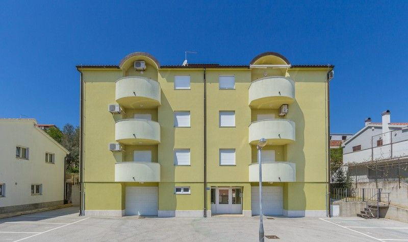 Apartments, Premantura, Pula & south Istria - Apartment ID 0965