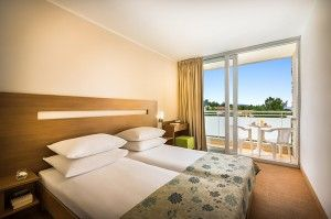 Superior double room with balcony, sea side