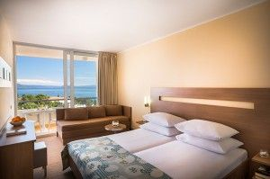 Superior triple room with balcony, sea side