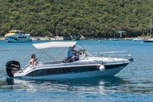 Motor boat for 8 persons