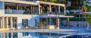 objects/2687/107530_Sensimar-Kalamota-Island-Resort-Restaurant-Pool.jpg