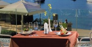 objects/2687/107534_Sensimar-Kalamota-Island-Resort-Table-Served.jpg