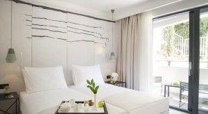Klasická dvojposteľová izba alebo izba s manželskou posteľou – balkón, výhľad na park
