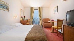 Soba Superior sa 2 odvojena kreveta s pogledom na more