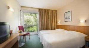 Standardna soba s bračnim krevetom, pogled na vrt
