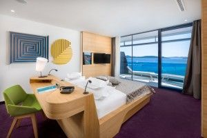 Deluxe suite with balcony and seaview