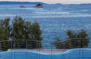 objects/2774/111705_14005_Belvedere_Trogir_Pool_next-to-the-sea.jpg