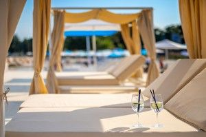 objects/2842/130293_cooee-pinia-hotel-valamar-marea-beach-sun-loungers-.jpg