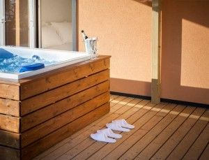 objects/3036/135119_71 Polari Terrace with hydro_massage bath of Deluxe mobile home-4014.jpg