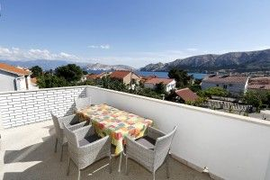 Apartment for 4-6 persons, sea view