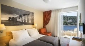 Dvo-/Trokrevetna soba, morska strana, balkon