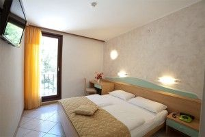 Double room, street side