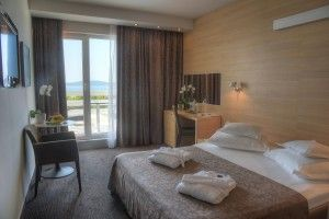 Double room for single use, sea side