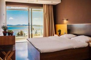 Dvokrevetna soba/soba sa 2 odvojena kreveta sa pogledom na more a balkonom
