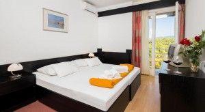 Camera doppia + letto divano, lato parco