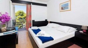 Camera doppia + letto divano, lato mare