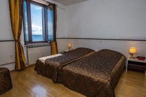 Double/triple room, sea side